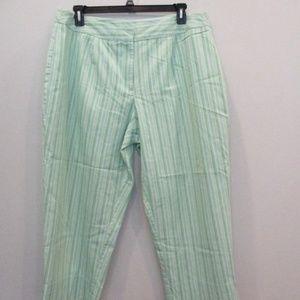 Studio Works Pants - 🟥$4 Studio Works Plus Size Capri Striped 22W